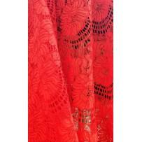 Gipiūras siuvinėtas raudonas