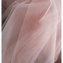 Tiulis minkštas šviesios pudrinės rožės spalvos 300cm pločio